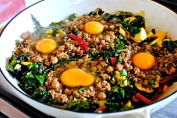 making green shakshuka with quinoa
